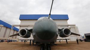 economia-embraer-maior-aviao-brasileiro-20141021-40-size-598