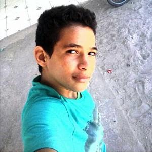 Adolescente Breu