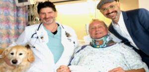 13jan2017-bob-centro-e-sua-cadelinha-kelsey-em-hospital-nos-eua-1484309709828_615x300