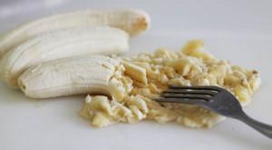 banana-amassada-alivia-tpm-e-menopausa