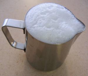 skim-milk-foam-695049_1280