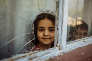 Crianças sírias que buscam refúgio na Turquia correm o risco de se tornarem apátridas. Foto: Muse Mohammed/OIM