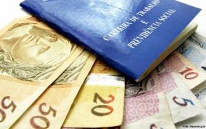 pis-pasep-dinheiro-carteira-de-trabalho-1024x640