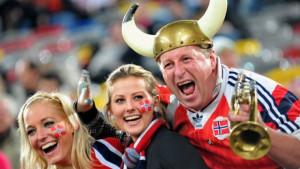 NorueguesesDireito de imagemGETTY IMAGES Image caption Noruega tirou liderança da Dinamarca; República Centro-Africana ocupa lanterna do ranking