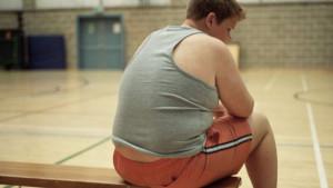 Não mandar raspar o prato é uma medida simples e eficaz para combater a obesidade infantil