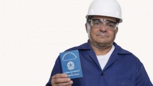 © Getty Images Aumento da idade mínima para o BPC tem sido criticado por prejudicar trabalhadores idosos mais pobres, e governo aceitou negociar